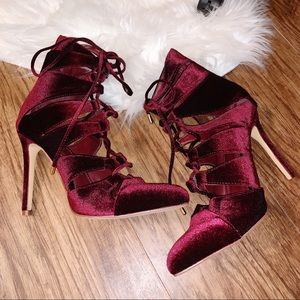 Brand New Burgundy Velvet Heels Size 7 1/2